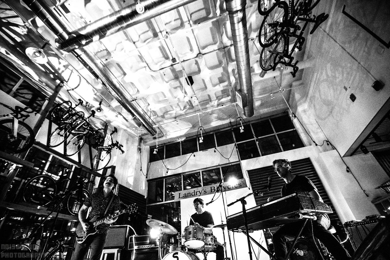 Noise Floor Photography: 2019/05/18 - Oneida &emdash;