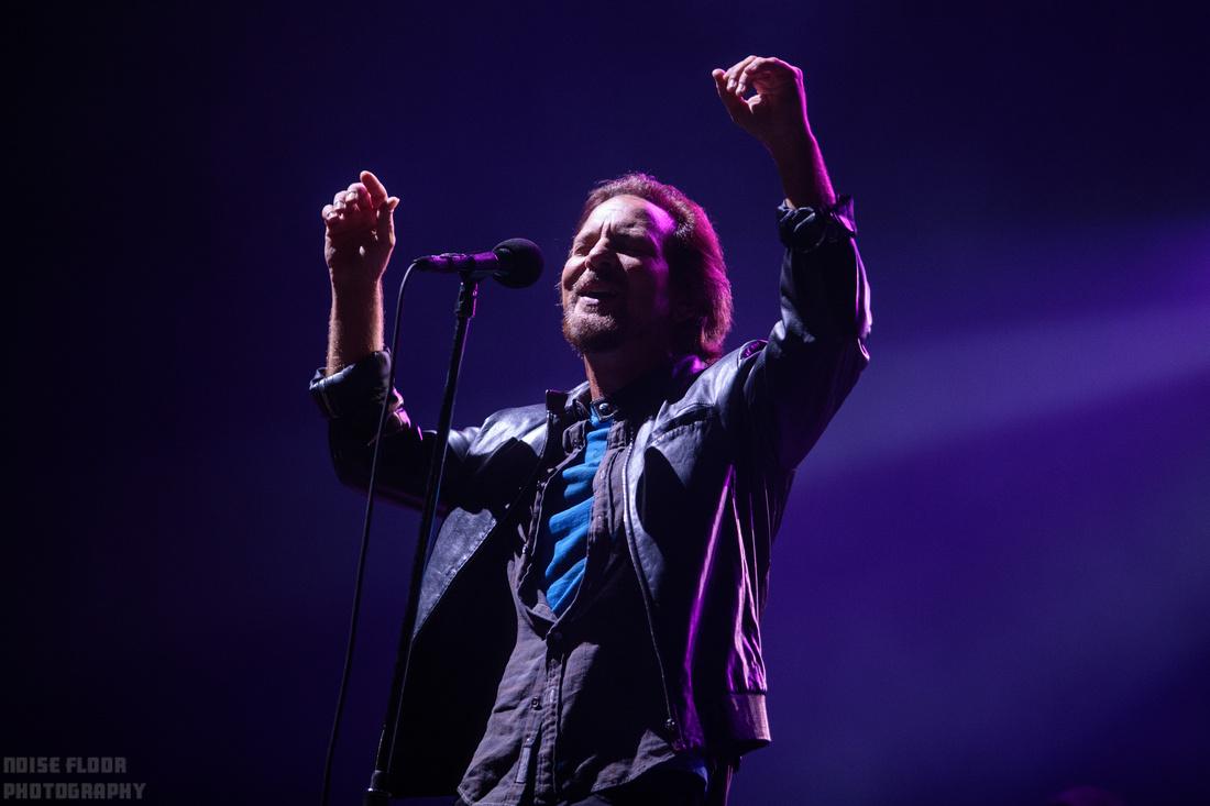 Noise Floor Photography: 2018/09/02 - Pearl Jam &emdash;